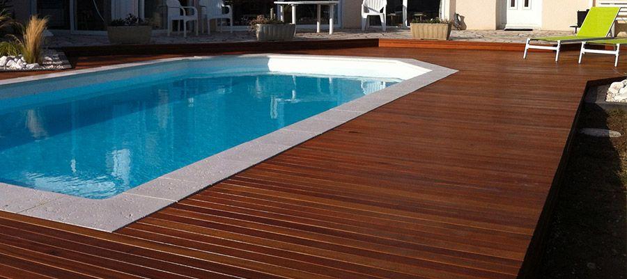 Le bois exotique : un atout de durabilité pour votre terrasse.